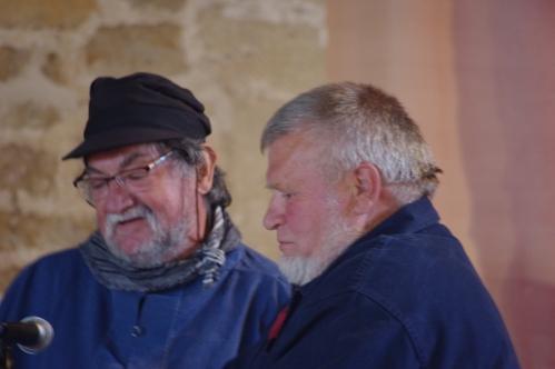A g., Joel Hallet, rédacteur du dict. français-normand, auteur d'histoires en normand. Ph. Michel Le Bas.